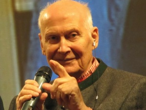 Bert Hellinger: o criador da Constelação Familiar como técnica terapêutica.